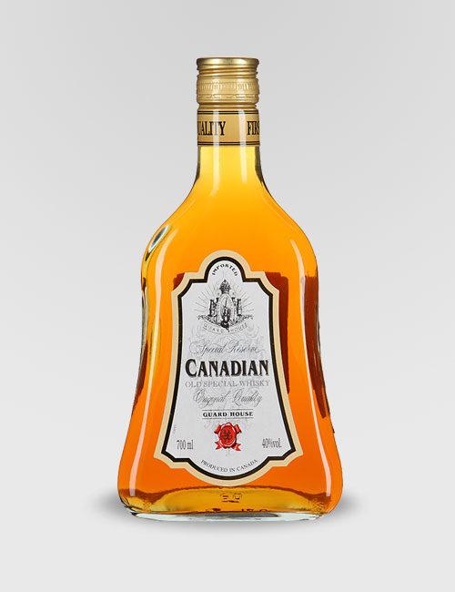 """Виски купажированный Канадский """"Гард Хаус"""" 0,7л."""